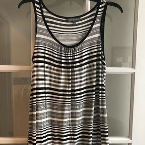 Daisy Fuentes Sz S Black & White striped top